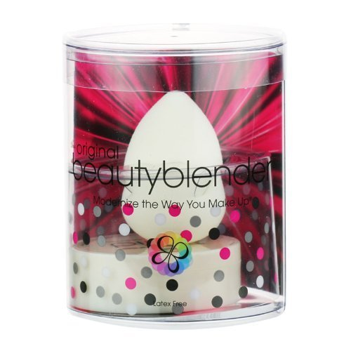 Beautyblender Pure + Solid Kit by Beautyblender 2 Piece Kit Includes: 1 Pure Makeup Sponge Applicator + 1 Solid Cleanser